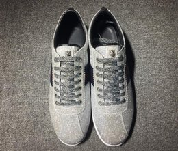 06cb47a921d (con la caja) venta caliente marca de lujo de cuero genuino nuevo diseño  zapatos casuales planos más tipos zapatillas de deporte de verano para  hombres ...