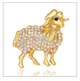 sheep zodiac 2019 - 2015 New Arrivals Twelve zodiac sheep Brooches four colors Rhinestone sheep Brooch Animal brooches Pin up for women X157