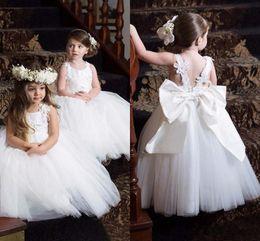 $enCountryForm.capitalKeyWord Australia - 2019 Cute Communion Dresses Pageant Dresses for Little Girls Cheap White Lace Flower Girl Dresses with New Designed Appliques Straps