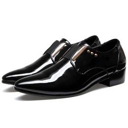 $enCountryForm.capitalKeyWord NZ - Elegant Men Dress Shoes Patent Leather Black Business Wedding Shoes Flats Pointed Toe Shining Metalic Big Size 45 46 US 10 10.5