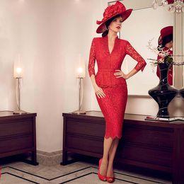Taffeta Suits Canada - Elegant Fashion V-Neck Three Quarter Lace Two Pieces Sheath Ms. Suit Mother of the Bride Dresses 2018
