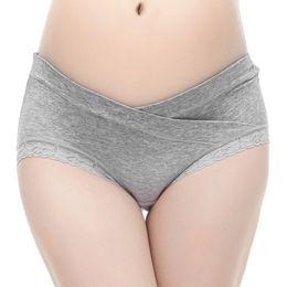 61b748630 Las mujeres de algodón bragas embarazadas ropa interior de maternidad en  forma de U cintura baja maternidad embarazo escritos ropa interior de las  mujeres
