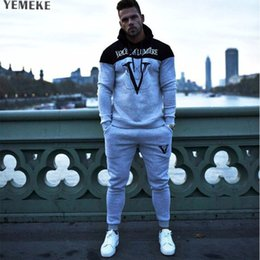 Body Fitness Suit Australia - YEMEKE Men fitness Gym Clothing Hoodie Tracksuit Male Fitness Body building Men Hoodies+Pants Joggers Set Sport Suit