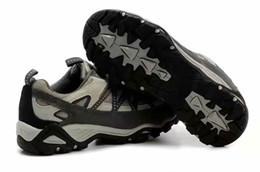 213 мужская женская обувь пешие прогулки обувь мужская женская обувь на открытом воздухе 2018 новая кожа водонепроницаемый нескользящей износостойкие