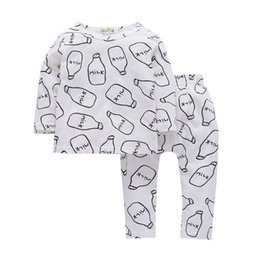 babies clothes for boys UK - Hot INS baby kids clothes set cotton milk designs sets spring autumn long sleeves clothes set for baby girls and boys