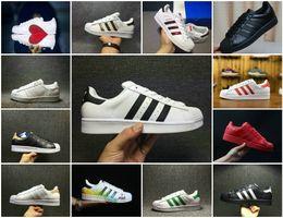 fa23e7a02cc 2018 New Originals Superstars zapatos negro blanco oro Hologram Junior  Superstars 80s orgullo zapatillas Super Star