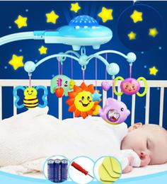 Vente en gros Bébé Hochet Infantile Jouets Pour 0-12 Mois Crib Mobile Lit Bell Avec La Musique Et Le Ciel Étoiles Projection Apprentissage Précoce Enfants Jouet