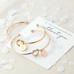 26 Brief Gold Silber Farbe Knoten Herz Armband Armreif Mädchen Modeschmuck Legierung Runde Anhänger Armbänder für Frauen # 279467
