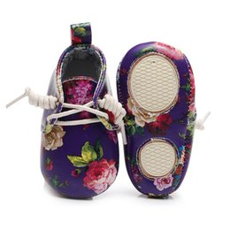 $enCountryForm.capitalKeyWord UK - Lovely Floral Printing PU Leather Baby Girls Shoes Toddler Infant Flower Anti-slip First Walkers Moccasins Newborn Boot