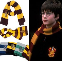 4 Farben Schals College Schal Harry Potter Schals Gryffindor Serie Schal mit Abzeichen Cosplay Strickschals Halloween-Kostüme