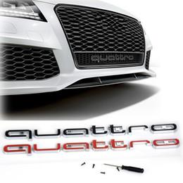 Venta al por mayor de Alta calidad Logotipo de Audi Quattro Emblema Insignia del coche ABS Pegatinas 3D Parrilla delantera Ajuste inferior para Audi A4 A5 A6 A7 RS3 RS5 RS6 RS7 Q3 Q5 Q7