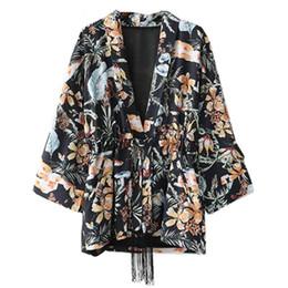 ad01b5f54 Vintage Bow Tie Cintura Rainfores Flor Imprimir Camisa Kimono 2018 Mulher  Borla Cinto Longo Batwing manga Blusa
