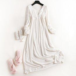 New Wonens 100% Baumwolle Royal Princess Long Pyjamas Weißes Nachthemd mit langen Ärmeln Herbst Langarm-Nachtwäsche Damen-Pyjamas Trainingsanzug im Angebot