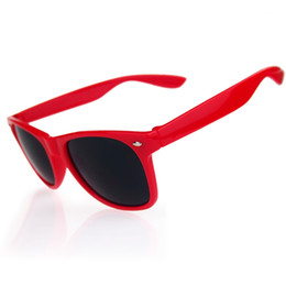 70342ddd1f Designer Red Unisex Women Vintage Sunglasses UV400 glasses Trendy Cool  travel