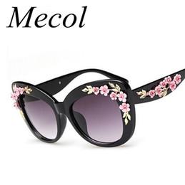Discount sunglasses flower design - Super Luxury Baroque Sunglasses Women Metal Rose Flower Vintage Eyewear Brand Design Sun glasses Oculos de sol Feminino