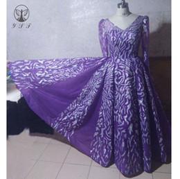 Ingrosso 2019 Arabian Design Prom Dresses Viola con scollo a V Bling Bling Glitter tessuto pieghettato manica lunga Vestidos De Formature