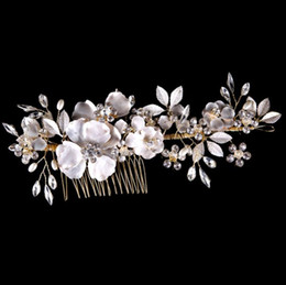 Silk White Rose Leaves Canada - Flower heads, white leaves, diamond, bridal gowns, combs, golden brides.