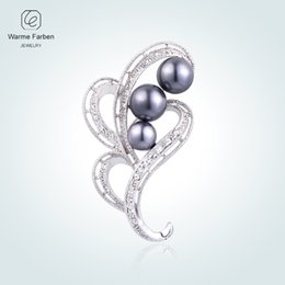 China WARME FARBEN 925 Sterling Sliver Zircon Pearl Flowers Shaped Brooch Suit Scarves Pins Brooches for Women Jewelry Lady Party Gift cheap jewelry for ladies scarfs suppliers