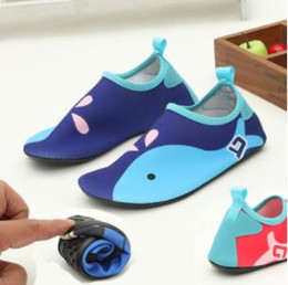 Discount kids beach sandals - New Kids Water Shoes Anti-slip Barefoot Skin Footware for River Beach Sandy Beach Aqua Shoes for Kids Indoor Sandals fre