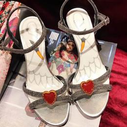 Nell'estate del 2017 i nuovi sandali più venduti cinturino in pelle piatta scarpe da spiaggia vendita all'ingrosso