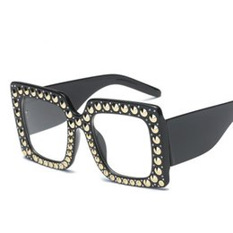 Frame Antique UK - 2019 new special-shaped antique framed diamonds, Ladies Sunglasses, rivets and large frame sunglasses.