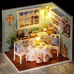 Meubles à La Maison à Poupée Miniatures Faits à La Main