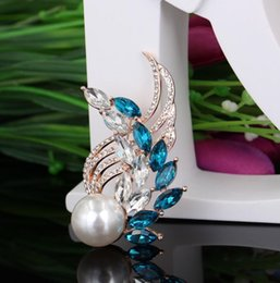 brooch wing Australia - Japan and South Korea natural pearl brooch crystal glass wings peacock corsage dress decoration ladies brooch A-005