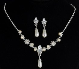 bridal jewelry drop necklace 2019 - Hot Style European and American style water drop imitation pearl rhinestone necklace earrings set bridal necklace jewelr