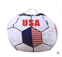 $enCountryForm.capitalKeyWord UK - 2018 Russia World Cup Storage Stuffed Bean Bag 26inch US Chair Portable Kids Toy Storage Bag Polyester Play Mat Clothes Home Organizer