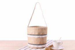 Wholesale New single shoulder handcuffs dual use straw bag sweet lace tassel beach bag woven bucket handbag