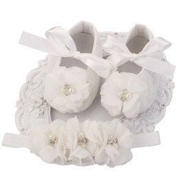 Lace Up Baby Booties Canada - Ivory Newborn Booties Baby Girls Shoes Toddler;Infant Girls Rhinestones First Walker Baby Shoes Ballerina;Baby Baptism Set