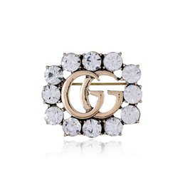 China New Luxury Brand Brooch Rhinestone Famous Designer Suit Lapel Pin for Women Jewelry Accessory with Fast Shipping suppliers