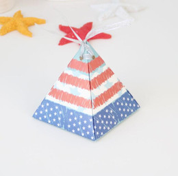 $enCountryForm.capitalKeyWord NZ - Pyramid Style USA National Flag Picture Gift Box Wedding Favors And Gifts Candy Box Wedding Gifts For Guests Wedding Decoration