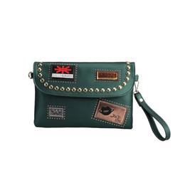 $enCountryForm.capitalKeyWord UK - Rivet badge fashion new style design pu leather women's envelope bag clutch bag ladies handbag shoulder purse wallet