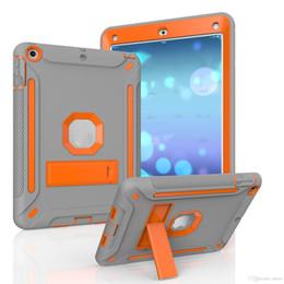 Vente en gros 3 IN 1 Support Kickstand Sillicon PC Armure Couverture Antichoc Pour Nouvel iPad 9.7 5 6 Air 2 Mini 3 Pro 10.5 OPP Sac