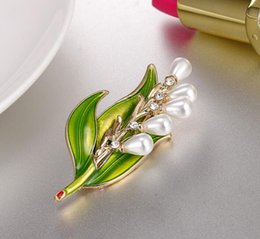 Discount party clothes europe - 2018 Europe and the United States Cute girl Drops of oil leaves Brooch brooches rhinestone Clothing accessories Pins Par