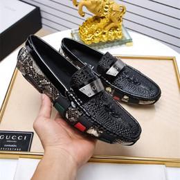 2017 nouvelles chaussures habillées hommes de luxe hommes en cuir occasionnels de conduite richelieus chaussures hommes mocassins mocassins chaussures italiennes pour hommes appartements EUR38-48 en Solde