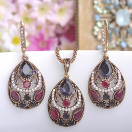 Green emerald necklace white Gold online shopping - 2018 new Vintage Women Necklace Earrings Sets Antique Gold Turkish Jewelry Set Blue Acrylic Heart Pendant Colar Long Pendientes Brincos