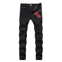 2018 Venta al por mayor de lujo italiano Rose bordado Jeans Nuevo diseñador hombres Jeans Famosa marca Slim Fit Mens impreso Jeans Biker pantalones de mezclilla en venta