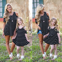 $enCountryForm.capitalKeyWord Canada - 2018 Brand New Family Matching Sets Mother Daughter Summer Dress Off Shoulder Striped Mini Dress Long Tops Outfit 2-9Y Girls