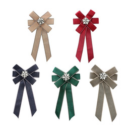 wholesale african clothing women UK - Fashion Fabric crystal Bow Brooches For Women Neck Tie Pins Party Wedding Jewelry Retro Large Ribbon Brooch Clothing Accessories