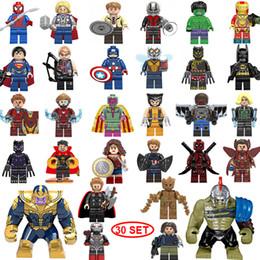 Venta al por mayor de NUEVO superhéroe Mini figuras 30SET Thanos Big Hulk Wonder mujer Deadpool Logan Black Panther Doctor Extraño Building blocks niños regalos