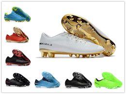 2018 Nuevos modelos Mercurial Superfly CR7 V FG Hombres Botas de fútbol Cristiano  Ronaldo Tops bajos Neymar JR ACC Magista Obra Zapatos de fútbol 25fe0d524db9f
