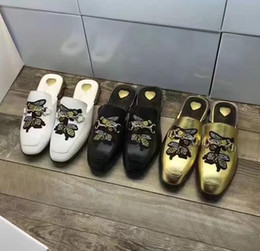 indoor brick flooring 2019 - new fashion women's Casual slippers Flat Base shoes Embroidery bees Woman Leather slippers