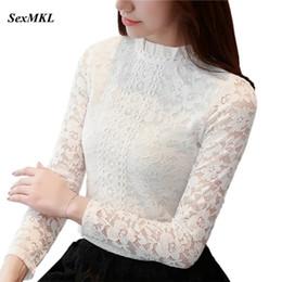 e8750b511 SEXMKL 2018 Blusa de Renda Branca Manga Comprida Oco Out Blusas Outono  Coreano Moda Vestuário Sexy Ladies Escritório Camisa Top Feminino