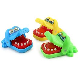 $enCountryForm.capitalKeyWord UK - Novelty Crocodile mouth Dentist bite finger game New Wholesale Children's Crocodile Roulette game Large fun Gift Wholesale