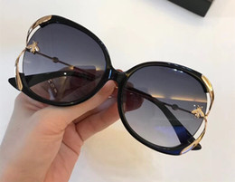 SunglaSSeS woman circular online shopping - Eyewear Luxury S Sunglasses Round Green Frame Elegant Special Designer Oval Frame Built In Circular Lens Top Quality Come With Case