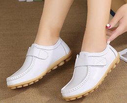4c2d9a8f Otoño nuevo pequeño blanco zapatos mujeres ocio único zapato femenino fondo  plano enfermera zapatos en la boca baja de los ancianos zapatos de la madre