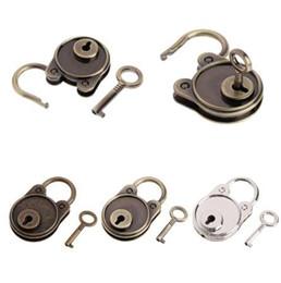 $enCountryForm.capitalKeyWord NZ - OOTDTY Vintage Bear Antique Style Mini Archaize Padlocks Key Lock With key For Handbag Small Luggage Tiny Craft Diary Toy Box