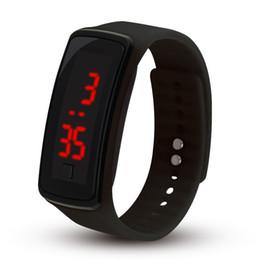 2018 горячая новая мода спорт светодиодные часы конфеты желе мужчины женщины силиконовая резина сенсорный экран цифровые часы браслет наручные часы